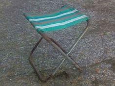 La silla taburete de la piscina, la empujabas y corrías.