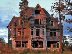The Spookiest, Creepiest Old Houses For Sale in America - Curbed