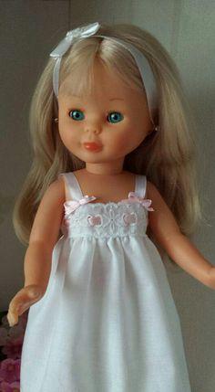 Más Pretty Dolls, Cute Dolls, Girl Doll Clothes, Girl Dolls, Vestidos Nancy, American Girl, Pixie, Nancy Doll, Wellie Wishers Dolls
