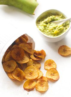 Most Popular African Snacks and appetizers you can easily make at home - Africa has a number of wonderful and scrumptious snacks derived from it's eclectic mix of Cultures and Traditions. Plantain Chips Recipe, Baked Plantain Chips, Baked Plantains, Ghanaian Food, Nigerian Food, Yummy Snacks, Healthy Snacks, Healthy Eating, Whole 30 Recipes