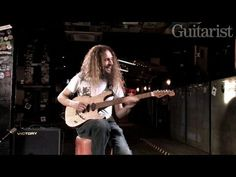 Guthrie Govan demos his Charvel prototype No 2. Maple top on basswood + graphite-reinforced baked neck. Yum!