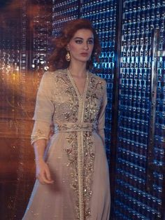 Eid Outfits You Can Use on Victory Day Later - TrendMagz Morrocan Dress, Moroccan Caftan, Oriental Dress, Oriental Fashion, Traditional Fashion, Traditional Dresses, Abaya Mode, Arabic Dress, Eid Outfits