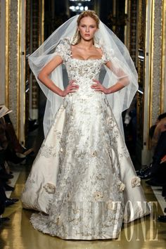 Zuhair Murad - Couture - Spring-summer 2007 - http://www.flip-zone.net/fashion/couture-1/fashion-houses/zuhair-murad,13