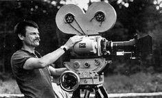 """O Centro Cultural Banco do Brasil Brasilia, apresenta a mostra de cinema """"Tarkovski e Seus Herdeiros"""", entre os dias 29 de junho a 11 de julho. Serão apresentados quinze filmes, um debate e uma aula sobre o cinema moderno de Andrei Tarkovski e seu legado. O russo é considerado o 2º maior cineasta da extinta...<br /><a class=""""more-link"""" href=""""https://catracalivre.com.br/geral/agenda/barato/mostra-do-cineasta-russo-tarkovski/"""">Continue lendo »</a>"""