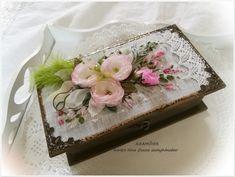 Pénzgyűjtő vagy pénzátadó doboz esküvőre