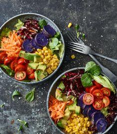 Probiere Rainbow Buddha Bowl jetzt bei FOOBY. Oder entdecke weitere feine Rezepte aus unserer Kategorie Avocado-Rezepte. Bol Buddha, Cobb Salad, Salads, Vegan Recipes, Appetizers, Cooking, Ethnic Recipes, Rainbow, Healthy Food