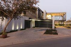 Частный особняк в Южной Африке от Nico van der Meulen Architects