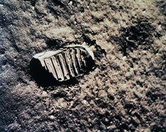 Huella humana sobre la Luna. inicio de la conquista del espacio