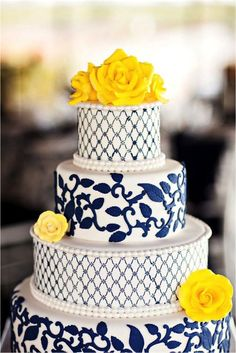 A pretty gorgeous blue and yellow cake if I can't talk Ben out of blue and yellow for wedding colors. lol ::: Cakes Blue Navy tiers Round cake stand pattern fondant pop of color accents Yellow sugar flowers Good Cake for birthday Navy Wedding Colors, Blue Wedding, Yellow Weddings, Spring Weddings, Wedding Rustic, Wedding Flowers, Yellow Wedding Cakes, Yellow Cakes, Dream Wedding