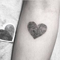 These photos of small tattoos will prove you that bigger is not always better. Get inspiration and ideas for men small tattoos, women small tattoos. Bff Tattoos, Mini Tattoos, Dainty Tattoos, Symbolic Tattoos, Foot Tattoos, Forearm Tattoos, Sleeve Tattoos, Tatoos, Tattoo Ink