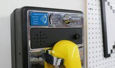 Convierte una vieja cabina de teléfono en una caja de música con Arduino - http://www.hwlibre.com/convierte-una-vieja-cabina-de-telefono-en-una-caja-de-musica-con-arduino/