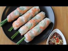 Spring rolls are a specialty of Vietnam. There are different versions, I propose you to discover Goi Cuon, the spring rolls with shrimp and pork belly. Shrimp Spring Rolls, Summer Rolls, Vietnamese Recipes, Asian Recipes, Vietnamese Food, Asian Foods, Chinese Recipes, Grilling Recipes, Seafood Recipes