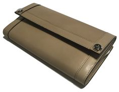 23068ae15f55 Gucci 231835 Washed Softcalf Cream Leather Continental Wallet Clutch. Get  the lowest price on Gucci. Tradesy