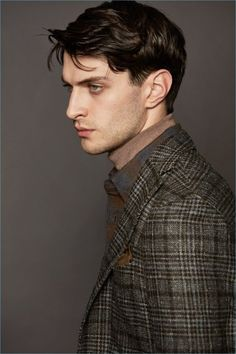 Boglioli looks to the Italian fashion capital of Milan for the inspiration behind its fall-winter 2017 men's collection. Male Model Face, Male Models, Mode Masculine, Portrait Inspiration, Character Inspiration, Matthew Bell, Face Drawing Reference, Face Study, Human Poses