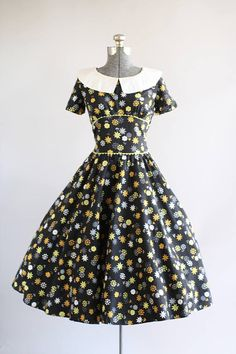Vintage 1950s Dress / 50s Cotton Dress / Black and Yellow Floral Print Dress w/ White Collar S/M