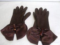Vintage 1950's Dawnelle Flared Gloves / by CatzShinySmiles on Etsy