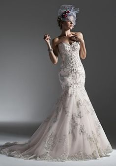Tendance Robe du mariage 2017/2018  Sottero and Midgley mermaid styled gown with sweetheart neckline beadwork and