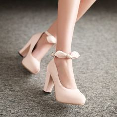 Color: pink, purple, beige, blue With high: 10 cm Waterproof units; 2 cm Material: PU Bottom son: prevent slippery to wear and wear bottom P Pretty Shoes, Beautiful Shoes, Cute Shoes, Me Too Shoes, Prom Heels, Pumps Heels, Bridal Shoes, Wedding Shoes, Pink Lila