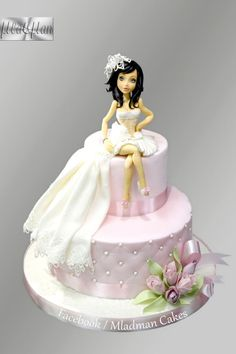 Doll Cake Designs, Cake Designs For Girl, Beautiful Birthday Cakes, Beautiful Cakes, Hen Party Cakes, 1st Birthday Cake For Girls, Silhouette Cake, Wedding Cake Prices, Fantasy Cake
