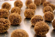 The recipe I use for my rumballs (I always use Kraken spiced rum) Rum Recipes, Dog Food Recipes, Dessert Recipes, Cheap Recipes, Desserts, Cocktails With Malibu Rum, Yummy Drinks, Yummy Food, Tasty