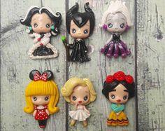 6 piezas de arcilla del polímero hecho a mano - niña de Minnie - Cruela - Maleficient - Frida - Marilyn - Ursula