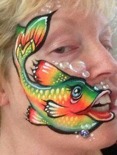 Laura Oliver fish face                                                                                                                                                                                 Más