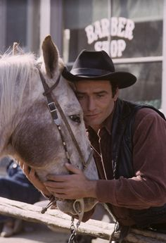 James Drury, The Virginian, Tv Westerns, Western Movies, Shiloh, Old Tv, Tv On The Radio, Classic Movies, Vintage Images