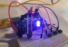 Circuits, codes pour piloter vos LEDs sur Arduino. Allumer/éteindre avec un bouton poussoir, varier l'intensité lumineuse avec un potentiomètre, LED RVG