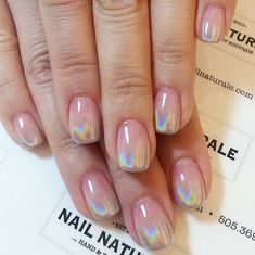 If you're looking to spice up your nail art designs, try holographic nails! They're shiny, shimmery and whimsical enough to make you feel like royalty. Since metallic or chrome nails took the nail world by storm different types of shiny, shimmery nai Pale Nails, My Nails, Chrome Rose Gold Nails, Gold Gel Nails, Holo Nail Polish, Chrome Nail Polish, Shellac Nail Art, Glow Nails, Gold Chrome
