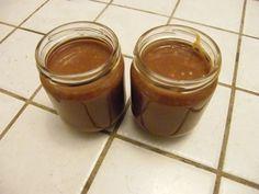 Après avoir testé une recette qui ne me plaisait pas vraiment j'en ai testé une deuxième qui cette fois est beaucoup plus intéressante !!! Avec cette recette, je fais 350 de pâte à tartiner que j'ai répartis en deux pots de 125g. Mettre 150 g de spéculos...