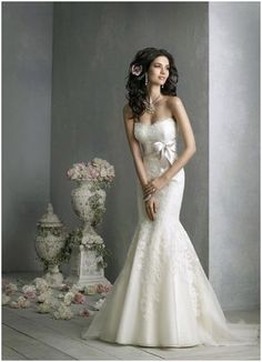 """If I decide to not get married on the beach this would be a winning dress..my """"Princess Dress"""" so to say."""