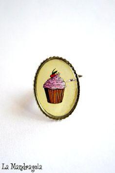 Cupcake sweet pink ring original artwork. Adjustable by Mandragola