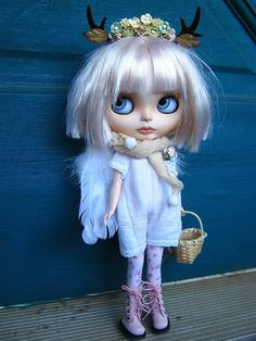 Blythe Doll...Fenna has her wings today. <3 por Lindy Dolldreams