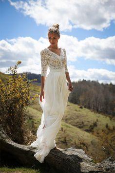 Robes de mariée de Marie Laporte - Collection 2017 | Modèle: Carmen | Photographe : Lili Rénée | Donne-moi ta main - Blog mariage