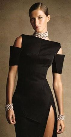 OMG I LOVE LOVE LOVE LOVE this. Balenciaga | Gisele    #Icon #Balenciaga #Women