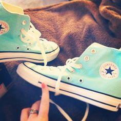 Converse , converse, converse