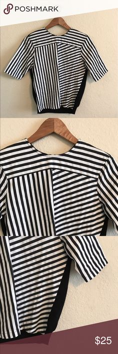 ASOS women's Striped Black & White Shirt Top 4 Asos women's Super Cool Striped Black & White Blouse.  Size:  Us 4 .  In Great condition!  If you have any questions feel free to ask! ASOS Tops Blouses