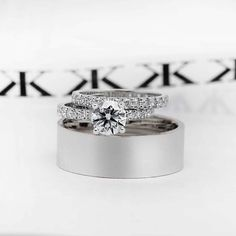 Round Brilliant cut diamond engagement ring with matching diamond wedding band & plain gents ring #bykalfinjewellery #diamondjewellery #diamondband #diamondblog #bestjeweller #bestdiamonds #cityjeweller #custommaderings #diamondringsmelbourne #engagementring #diamondring #cbdjewellers #collinsst #melbourne  www.kalfin.com.au