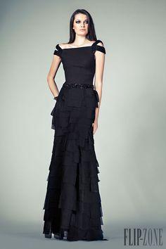 Tony Ward - Prêt-à-porter - Primavera-Verão 2014 - http://pt.flip-zone.com/fashion/ready-to-wear/independant-designers/tony-ward-4292