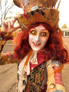 Look like Alice in Wonderland by Wearing Queen of Hearts!!