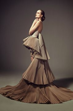 Couture Fashion, Runway Fashion, High Fashion, Ashi Studio, Off White Dresses, Couture Collection, Beautiful Gowns, Designer Dresses, Evening Dresses