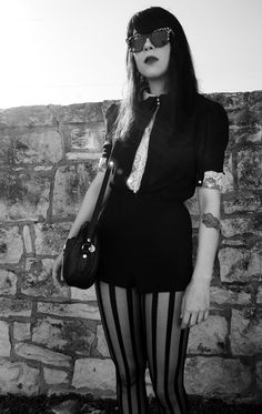 dee dee . dum dum girls style, dum dum, dum girl, penni, rocker girl fashion, tights, blog, black, dee dee