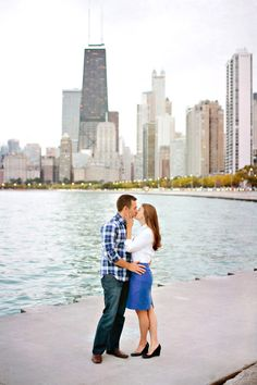 Chicago kisses: http://www.stylemepretty.com/illinois-weddings/chicago/2015/05/12/classic-magnificent-mile-engagement/ | Photography: Katherine Salvatori - http://www.katherinesalvatori.com/