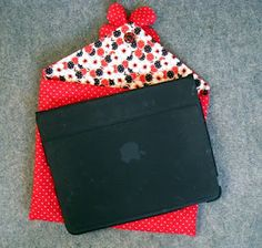 I-Pad cover tutorial. Girly print with fabric flower button, OR subdued fabric and velcro for a business look... http://rosmademe.blogspot.com/