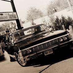 Baby <3 #Supernatural #Impala Supernatural Merchandise, Supernatural Baby, Supernatural Wallpaper, Supernatural Bunker, Chevrolet Impala 1967, 67 Impala, Tame Impala, 1967 Chevy Impala Supernatural, Arte Cyberpunk