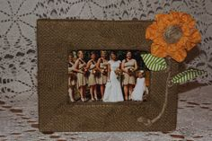 Burlap frame fits a 4x6 picture (other sizes available).Please specify the size and style.Desk top hardware and plexi glass included    Please feel
