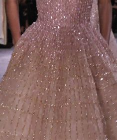 chandelyer: my favourites from couture& & Hello sweetie Source by Aesthetic Gif, Aesthetic Vintage, Pink Aesthetic, Pretty Dresses, Beautiful Dresses, Runway Fashion, High Fashion, Princess Aesthetic, Couture Week