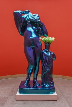 Jeff Koons Metallic Venus, High Chromium Stainless Steel With Transparent Color Coating Live Flowering Plants 100 x 52 x 40 inches 254 x x cm Ed. Jeff Koons Art, Oldenburg, Contemporary Sculpture, Contemporary Art, Kitsch, Art Moderne, Art Design, Art Plastique, American Artists