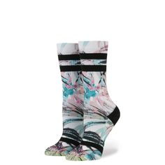 Stance's classic crew sock. 65% polyester, 13% elastic, 12% combed cotton, 10% spandex Size Small fits Women's US shoe size 5 - 7.5 Size Medium fits Women's US shoe size 8 - 10.5