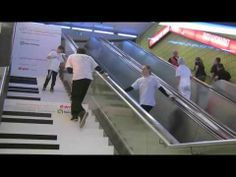 ▶ Piano Stairs meets Breakdance (part I) - YouTube